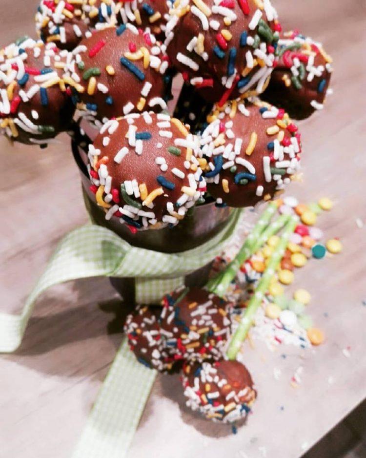 Cake pops με μπισκότα